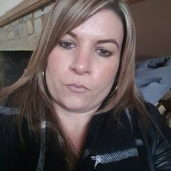 Lisa (40)