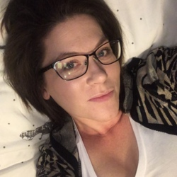 Ashley, 32 from British Columbia