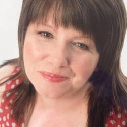Evelyn (58)