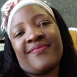 Nozipho is looking for singles for a date