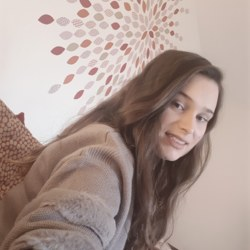 Maizie (25)