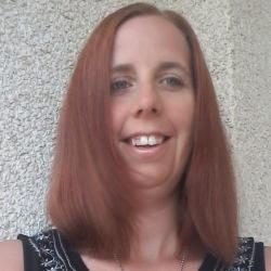 Laura (35)