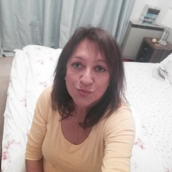 Gillian is looking for singles for a date