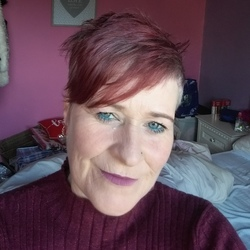 Tracy is looking for singles for a date