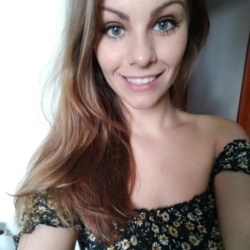 Rosella is looking for singles for a date