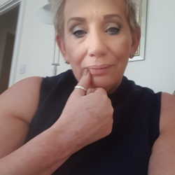 Erika is looking for singles for a date