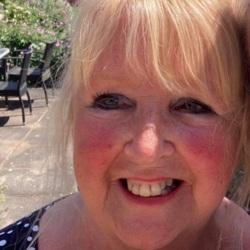 Anne (66)