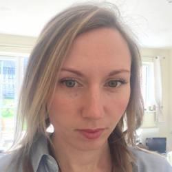 Emily (32)