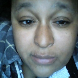 Dionne is looking for singles for a date