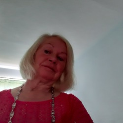 Nerys is looking for singles for a date
