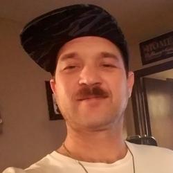 Rayd, 37 from Arkansas