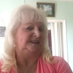 Lyn (76)