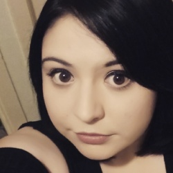 Simone is looking for singles for a date