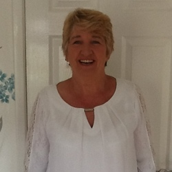 Liz (66)