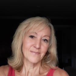 Marylou is looking for singles for a date